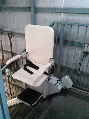 安い中古階段昇降機(段差解消機)スギヤス屋外用SEO9
