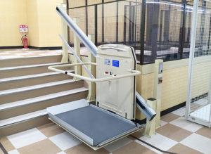 車いす用階段昇降機 EA7-2